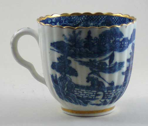 Caughley coffee cup, blue printed Temple pattern, ribbed